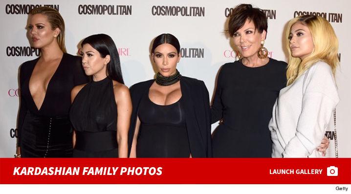 0324_kardashian_jenner_family_footer