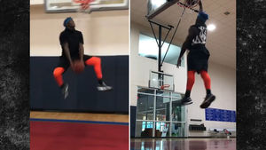JOSH GORDON -- PROVES HE'S STILL ATHLETIC FREAK... With Insane Dunk Show