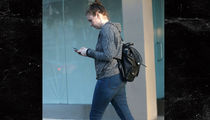Lena Dunham Loses Weight While Her 'Girls' Character is Pregnant (PHOTOS)