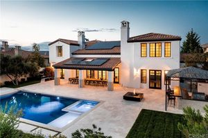 Kylie Jenner's Calabasas Starter Home -- For $ALE!