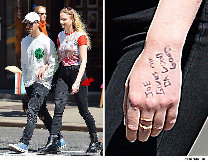Joe Jonas Delivers Da Good Good To Gf Sophie Turner Photo Gallery Best Celebrity News