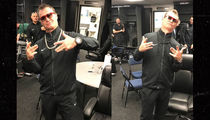 Seattle Mariners Manager Scott Servais Busts Out Players' Chains To Celebrate Win (PHOTO)