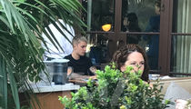 Justin Bieber Eats Lunch Alone at Beverly Hills Restaurant