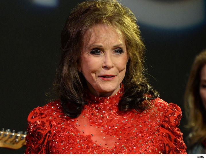 Loretta Lynn Hospitalized After Suffering Stroke Tmz Com