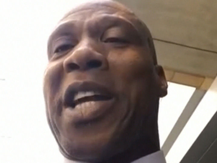 Byron Scott Says Magic Johnson Can Handle LaVar