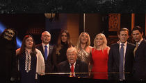 SNL's Trump Team Sings 'Hallelujah' for Season Finale Cold Open (VIDEO)