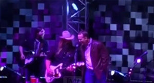 Petyon Manning Sings 'Tennessee Whiskey' With…