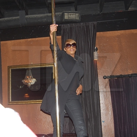 NeNe Leakes Pole Dancing
