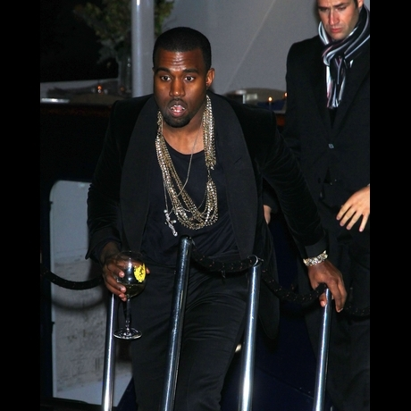 Kanye's Big Bling -- A Closer Look!