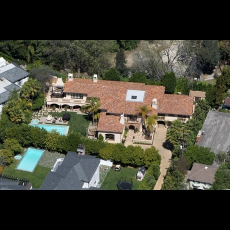 Miley&#039;s Family Home -- Zoom View!