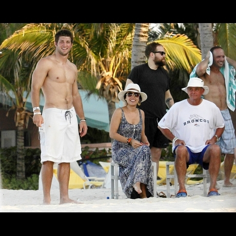 Tim Tebow -- Ripped in the Bahamas