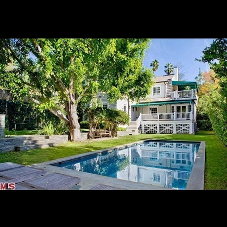 Amanda Seyfried's Cool New Crib