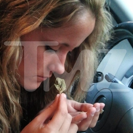 Jenelle Evans Smoking Photo Gallery Pictures