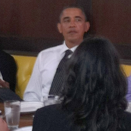 Barack Obama Lunch Eating Signing Photo Gallery Pictures