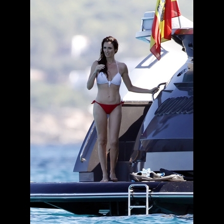 Paz Vega Bikini Body Photo Gallery Pictures