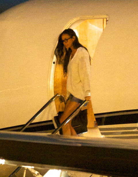 Demi Moore Rehab Plane Photo Gallery
