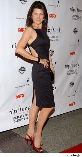 daphne zuniga sexy