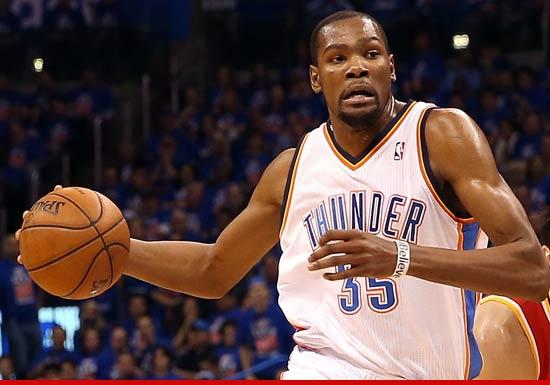 72822dd32319 0510 kevin durant 01. Oklahoma City Thunder all-star Kevin Durant ...