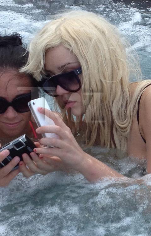 Amanda Bynes Hot Tub 91