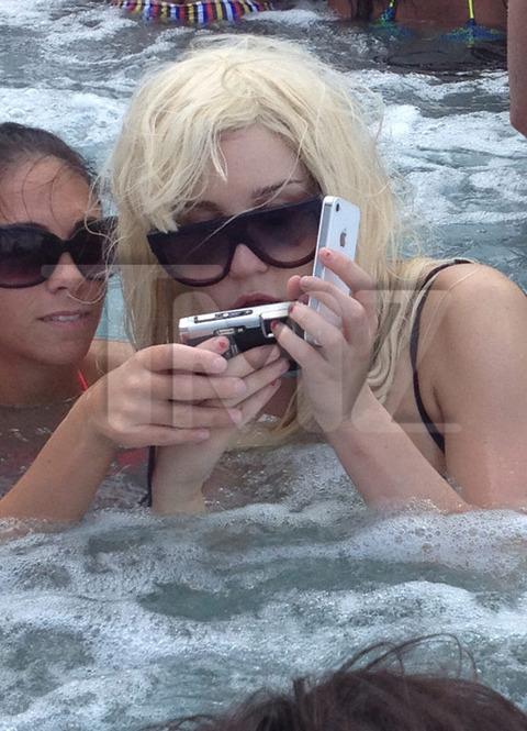 Amanda Bynes Hot Tub 116