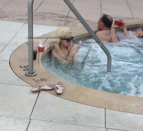 Amanda Bynes Hot Tub 118