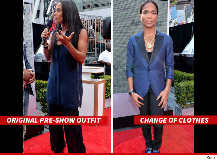 0108-b-scott-outfit-change