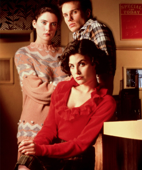 """""""Twin Peaks"""" Is Coming To Showtime -- See Original Cast"""