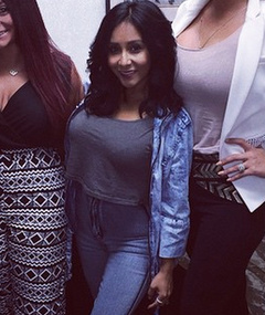 Snooki S Daughter Is A Total Mini Me See Adorable New