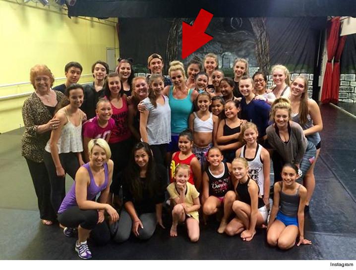Britney Spears Hijacks Vegas Dance Class For 'Happy ...
