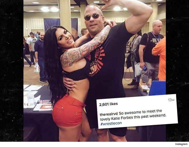 two new wwe stars dating