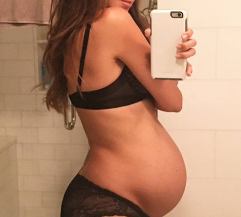 Celebrity Pregnant Bellies 16