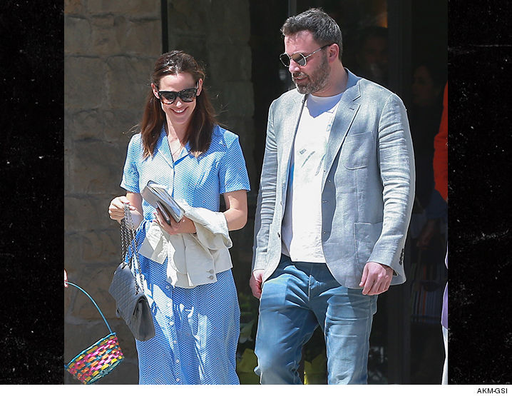 Ben Affleck and Jennifer Garner Come Together on Easter ...